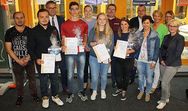 Schulpartner von Magnet-Schultz - Wirtschaftsschule verleiht Zertifikate für Sozialkompetenz